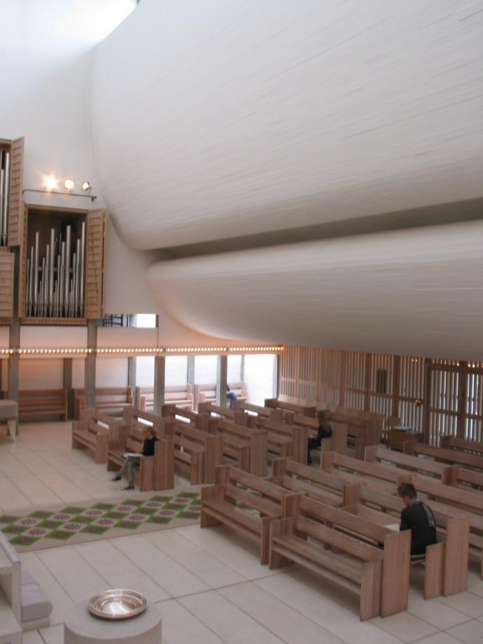 Bagsværd kirke indeni