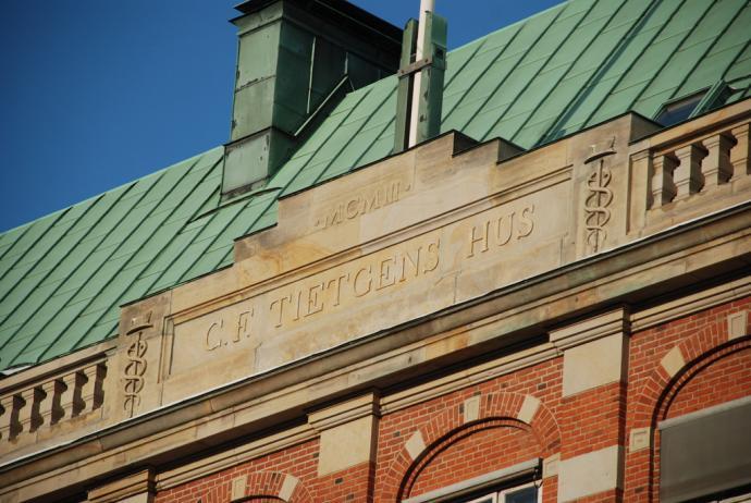 Skiltet på Tietgens Hus