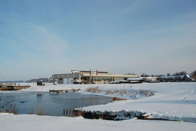 Vikingeskibshallen