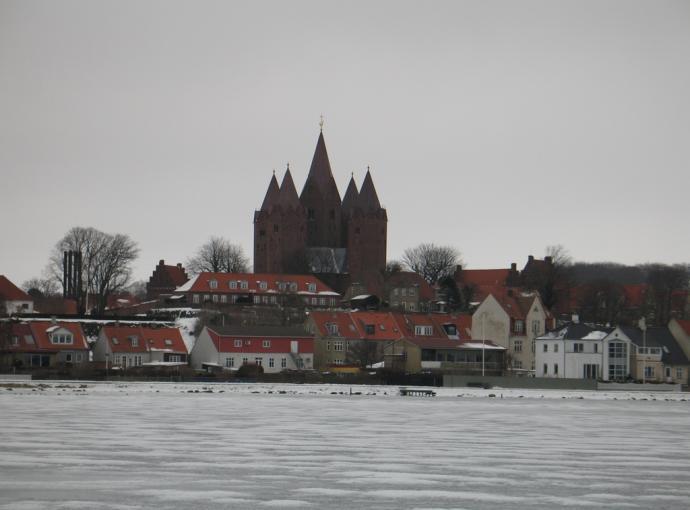 Vor Frue Kirke fra fjorden