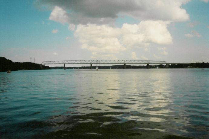 Den gamle Lillebæltsbro set fra havet