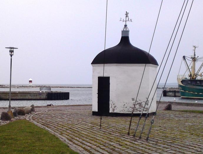 Kogehuset og fyrtårn, Assens havn