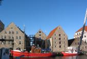 Grønlandske Handels Pakhus set fra vandet