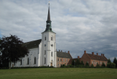 Brahetrolleborg, Kirke