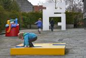 Willy Ørskovs skulpturgruppe på Stadsbiblioteket i Lyngby