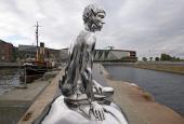 """Elmgreen & Dragsets """"Han"""" foran Kulturværftet i Helsingør"""