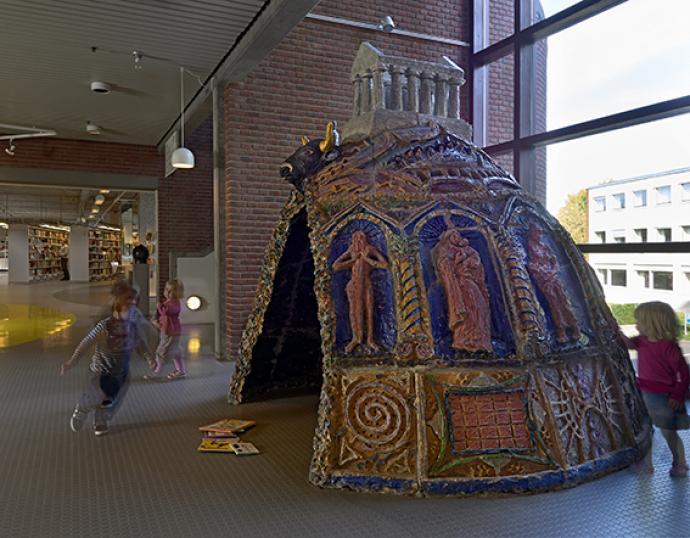 Bjørn Nørgaards keramiske grotte på Gladsaxe Hovedbibliotek