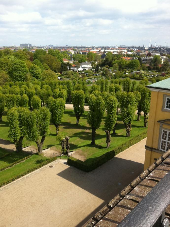 Frederiksberg have set fra flagbalkonen på Frederiksberg slot
