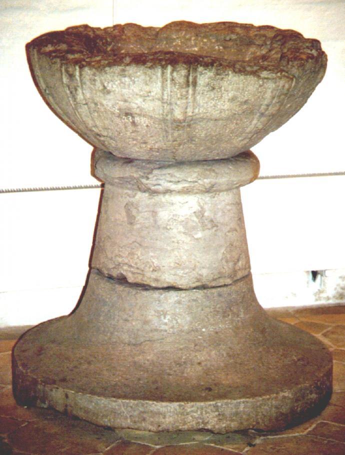 Den besudlede døbefont i Køge Kirke
