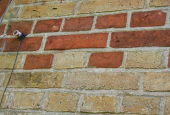 HOVEDHUS: Farvespil i mursten