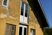 HOVEDHUS: Skal nye vinduer males om?
