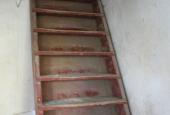 UDHUS: Stige til loftsværelse (karlekammer)