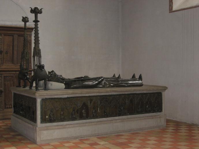 Sorø Klosterkirke, Christoffer II's gravmæle