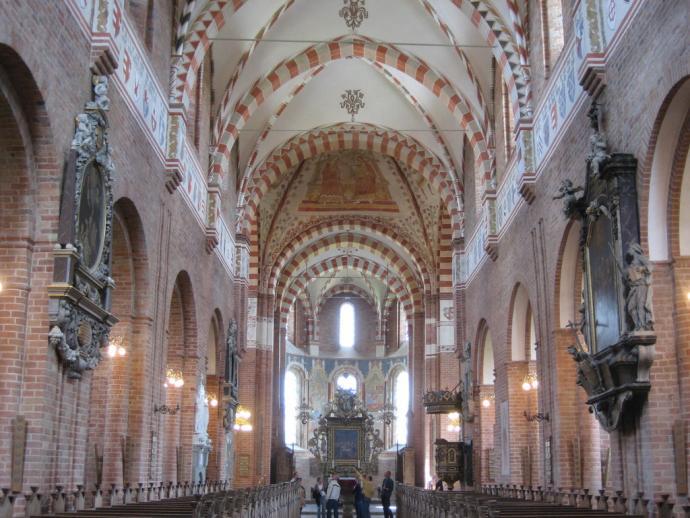 Skt. Bendts Kirke, indre-2