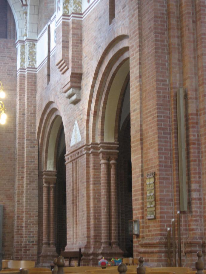 Skt. Bendts Kirke, indre-4