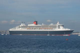 QUEEN MARY 2 IN DENMARK ELSINORE
