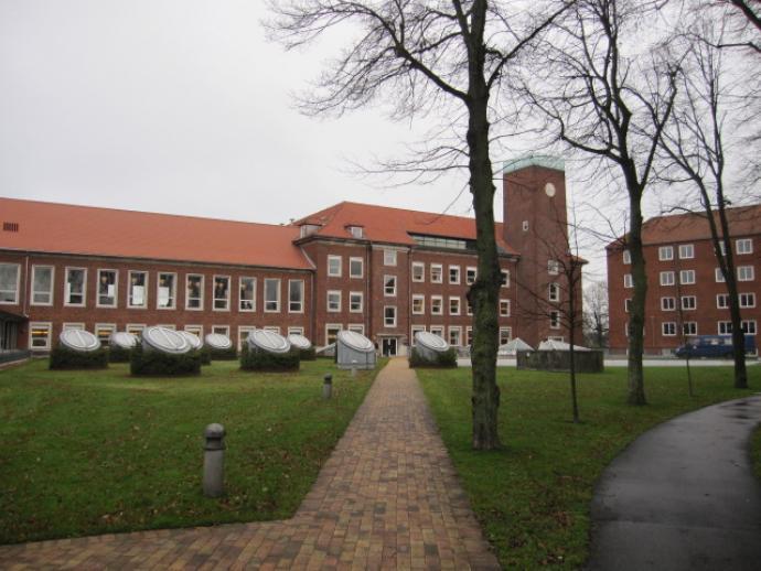 Emdrupborg, Kan man fordanske arkitektur? - 1001 fortællinger om ... : arkitektur denmark : Arkitektur