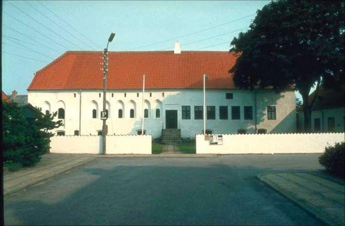 dueholm kloster åbningstider