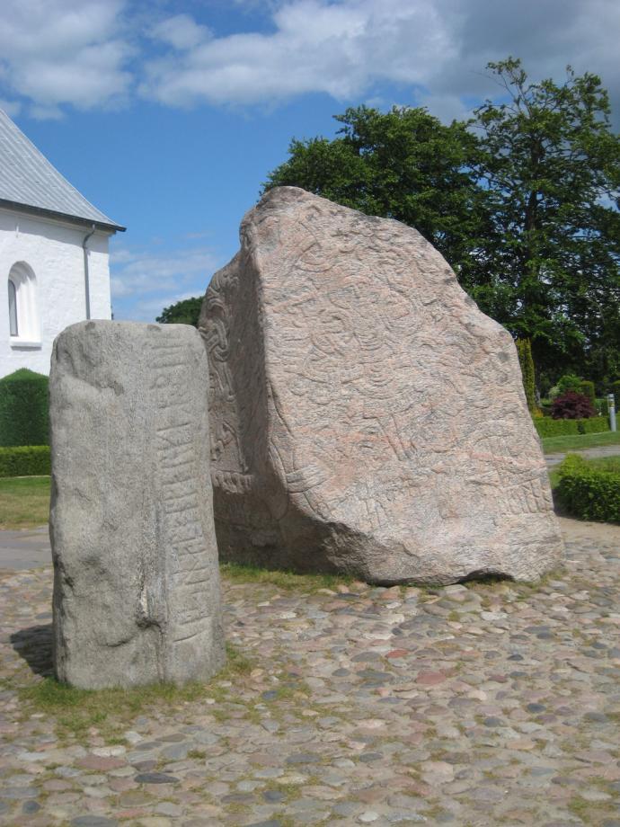 Jelling, Runesten-1