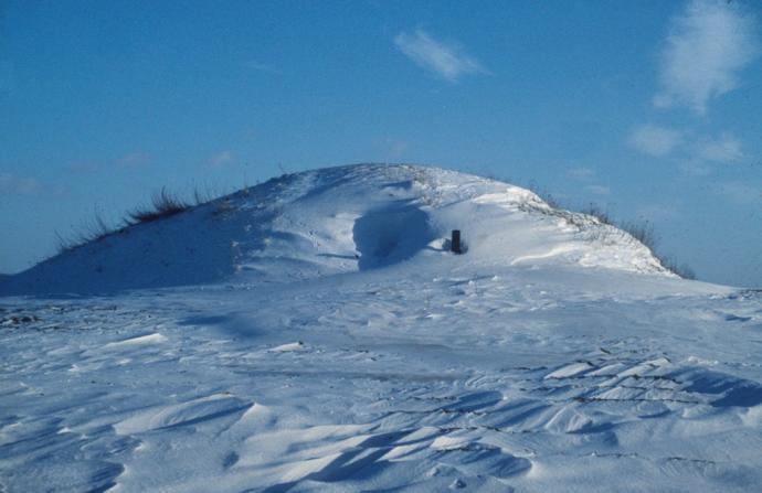 Kong Asgers Høj i sne