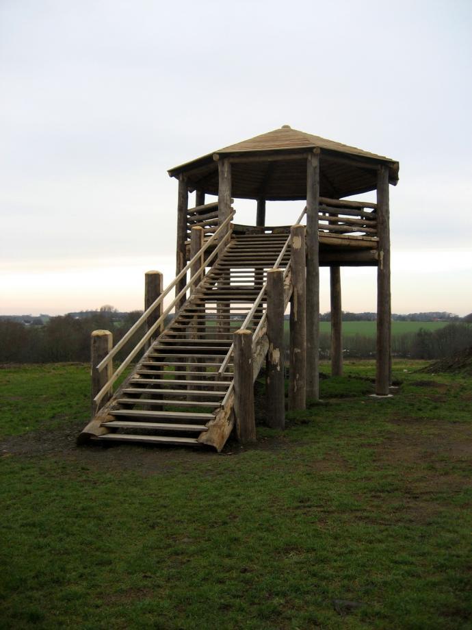 Rispebjerg - informationstårn (rekonstrueret kultplatform)
