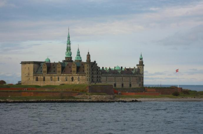 Kronborg fra Sundet