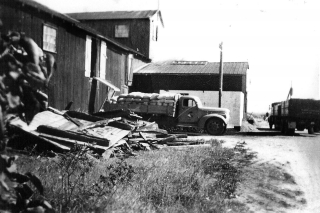 Lastbil fuldt læsset på Klibtebjergværket