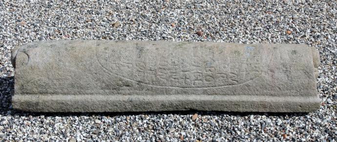 Rune sten ved kirken