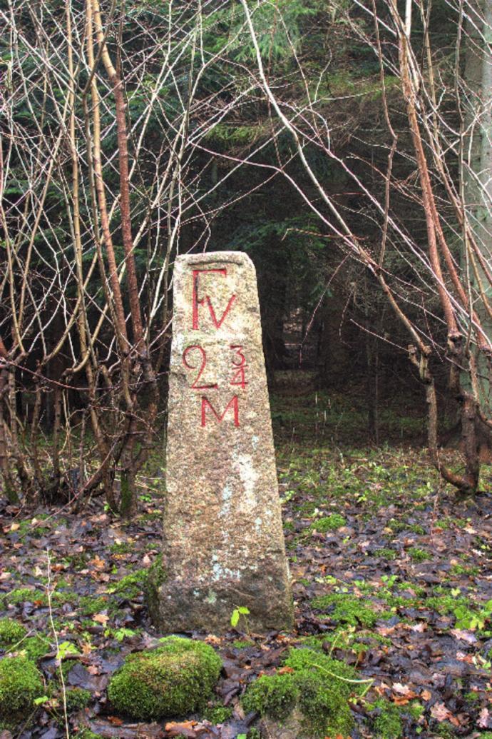 Milepæl i Rude Skov