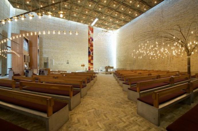 Interiør af Kirkesalen