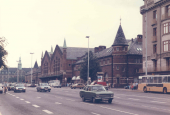 Østfacaden af Københavns hovedbanegård set fra nord i 1980erne.jpg