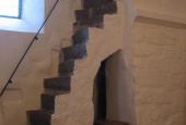 Ols Kirke, Indre, Trappe til tårnloft