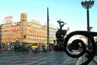 Rådhuspladsen med Richshuset i baggrunden