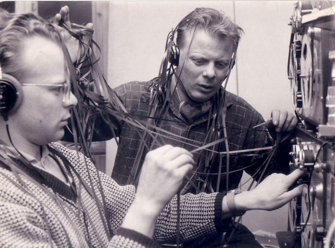 Two technicians at Radio Mercur,