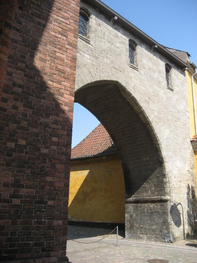 Roskilde Domkirke, Absalonbuen
