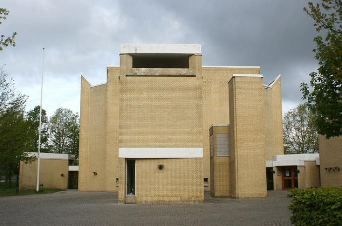 Stavnsholt Church